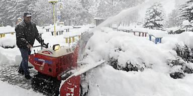 Schnee sorgt für Verkehrschaos in Salzburg
