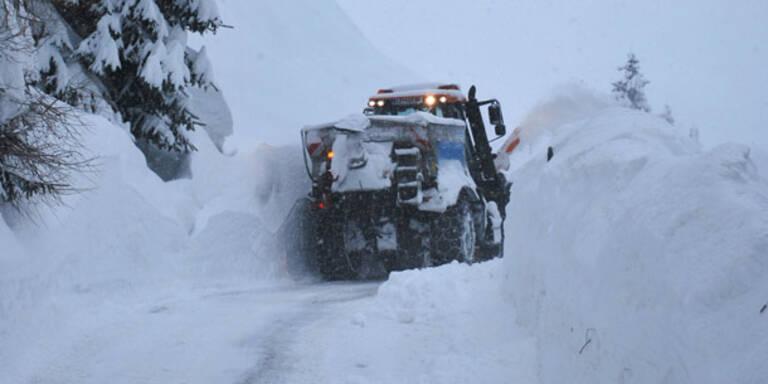 4 Tote bei Schneechaos in Österreich