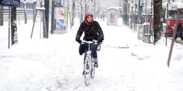 Schnee-Walze überrollt Österreich