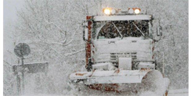 70.000 Haushalte nach Schneefall ohne Strom