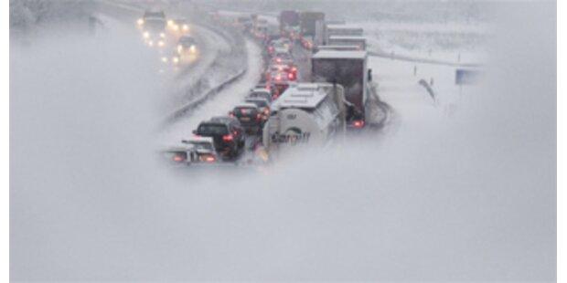 Südautobahn in Kärnten wegen Schneefällen gesperrt
