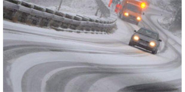 Winterreifenpflicht für Pkw ab 1. Jänner 2008 fix