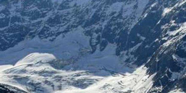 Acht Arbeiter aus Schneetreiben gerettet