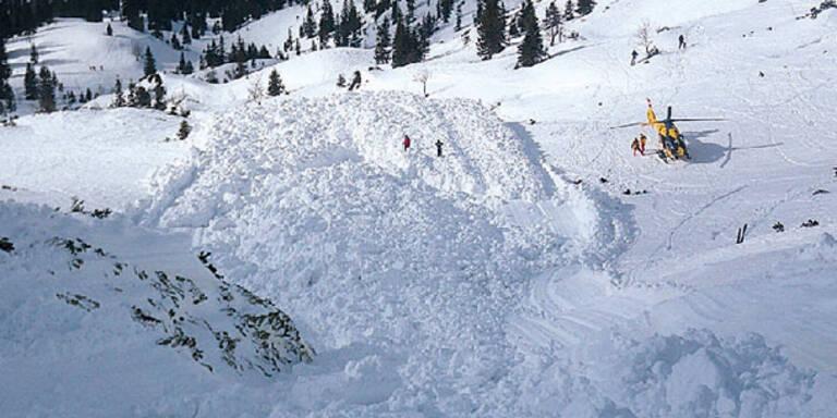 Mega-Lawine streift fünf Wintersportler