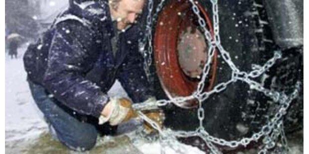 Schneefall sorgt für gefährliche Straßenlage