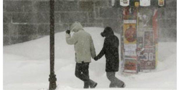 Sechs Tote bei schwerem Schneesturm