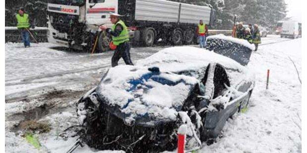 1. Crash auf Neuschnee in Oberösterreich