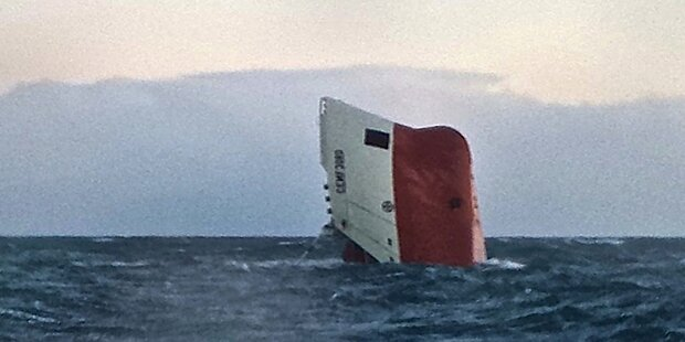 Schottland: 8 Tote bei Frachterunglück