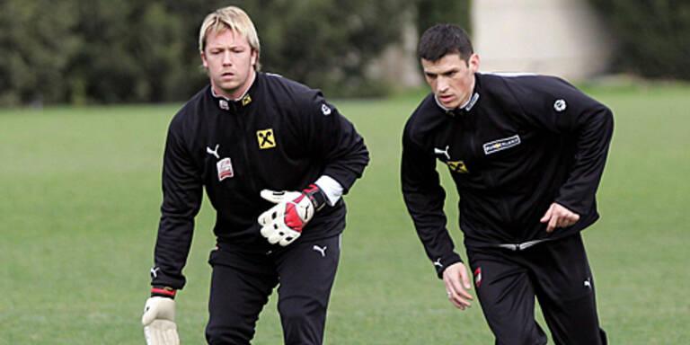 Goalie Schranz und Teamneuling Majstorovic beim Teamtraining auf Malta; (c) APA/GUENTER R. ARTINGER