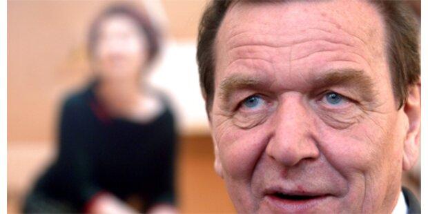 Ex-Kanzler Schröder nimmt Steinmeier in Schutz