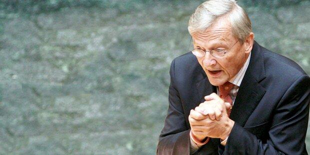 Moser fordert Rücktritt von Schüssel