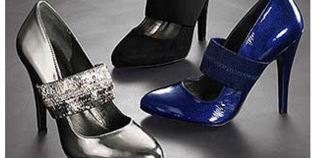 Jede dritte Frau belohnt sich mit Schuhen