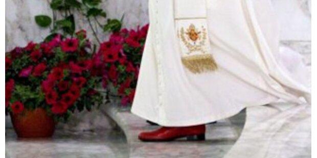 Papst-Hausschuster macht Schuhe für Obama