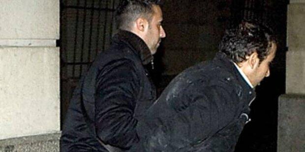 3 Jahre Haft für Schuhwurf auf Erdogan