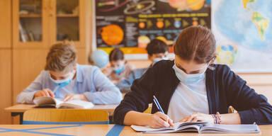 Erste Lehrerin fordert Wiederholung des Schuljahres