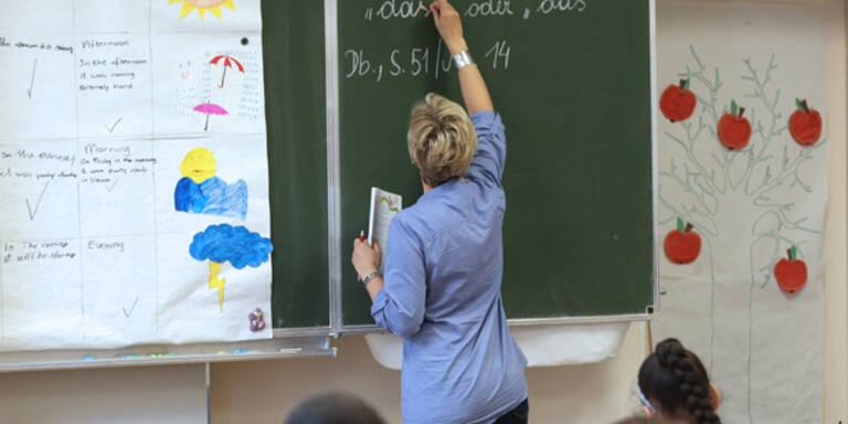 Rabiater Schüler reißt Lehrerin die Haare aus