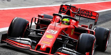 Mick Schumacher fährt erstmals Ferrari