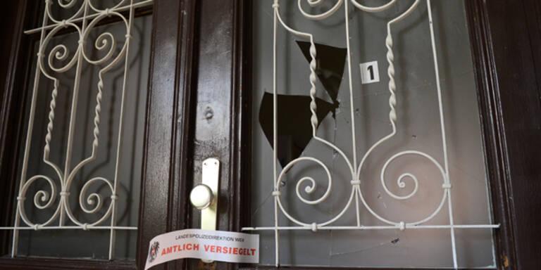 Frau (27) durch Tür angeschossen