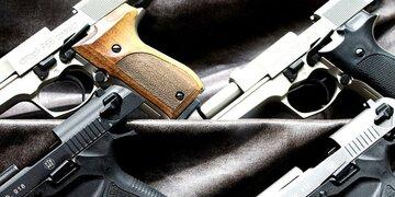 Diebe stehlen Schusswaffen aus Hotel