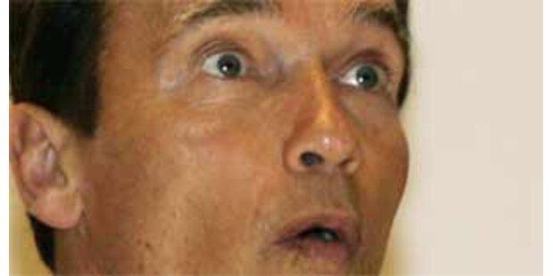 Schwarzenegger am Knie operiert