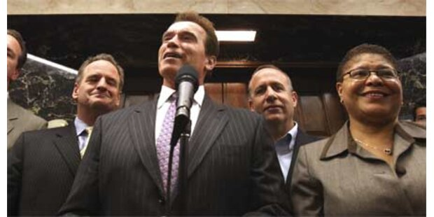 Schwarzenegger stopft Budget-Loch