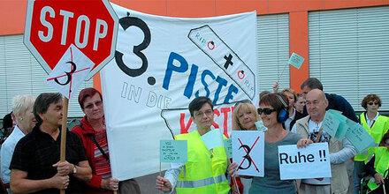 Proteste gegen dritte Flughafen-Piste