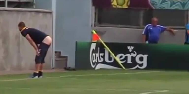 Schweden-Goalie ließ die Hosen runter