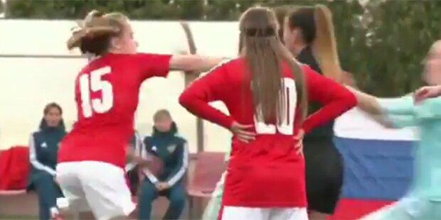 Wilde Schlägerei beim Frauen-Fußball
