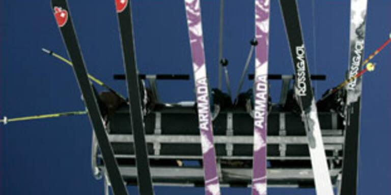 150 Skifahrer mit Hubschrauber gerettet