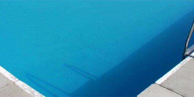 Zweijähriger im Pool ertrunken