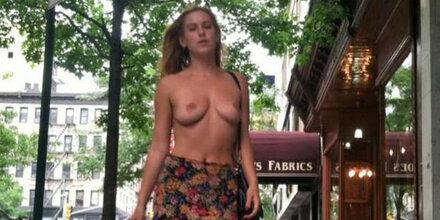 Willis-Tochter zieht auf Straße blank