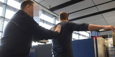 Schwechat: Securitys bei Schlepper-Mafia
