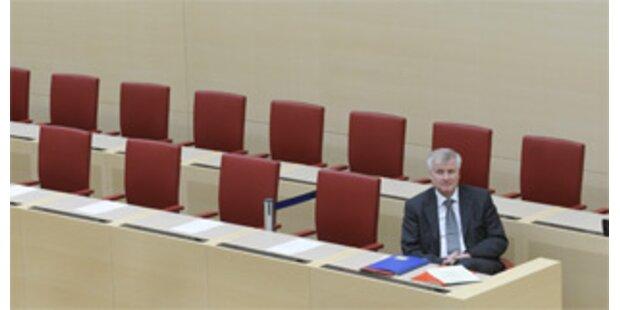 Bayerns neue Koalition schon zerstritten
