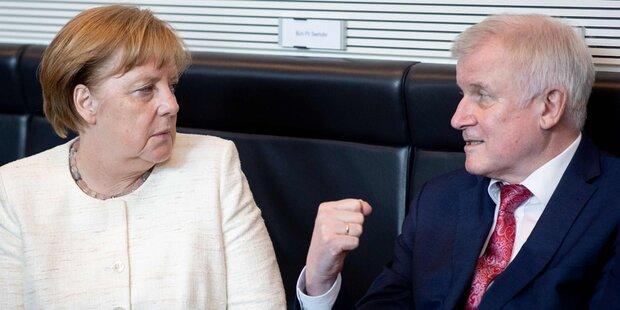 Seehofer spricht Warnung an Merkel aus