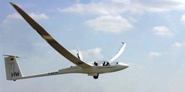 Segelflugzeug musste auf Acker notlanden