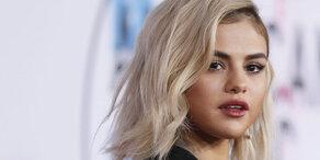 Selena Gomez stellt neuen Puma-Sneaker vor