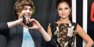Selena Gomez, George Shelley