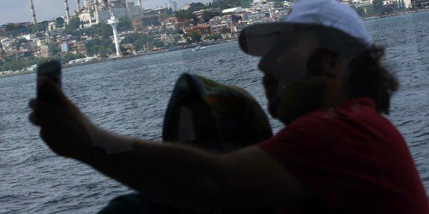 Eltern stürzten bei Selfie in den Tod