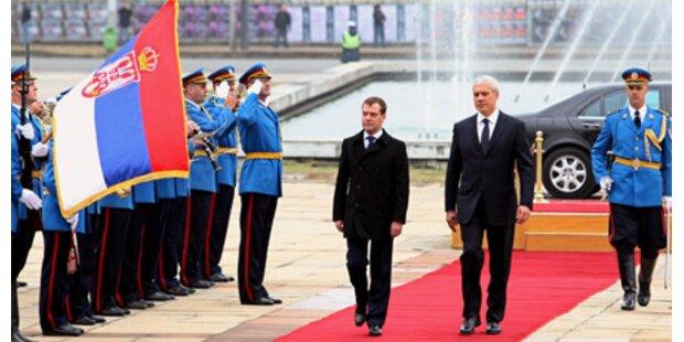 Russland gewährt Serbien 1 Mrd Kredit
