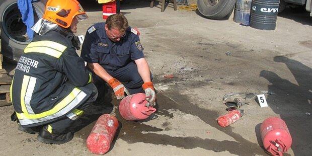 Arbeiter bei Explosion schwer verletzt