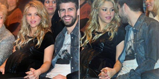 Shakira zeigt Riesen-Babybauch