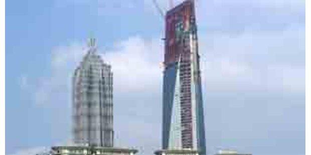 Rohbau von größtem Wolkenkratzer Chinas steht