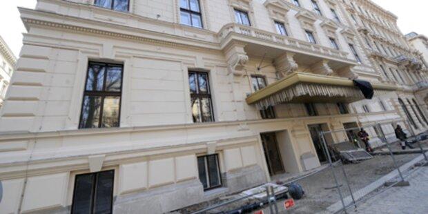 Hotel Schwarzenberg hängt in Warteschleife