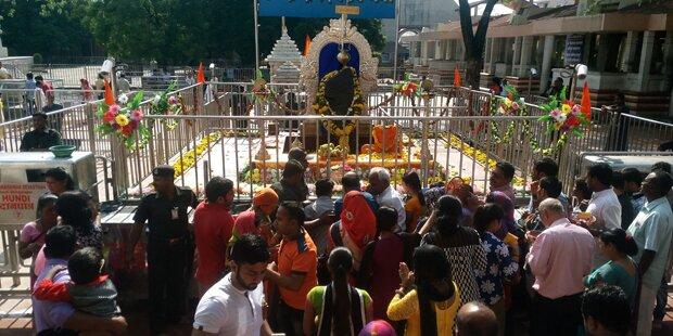 Frauen fordern Gebetsrecht in Hindu-Tempeln