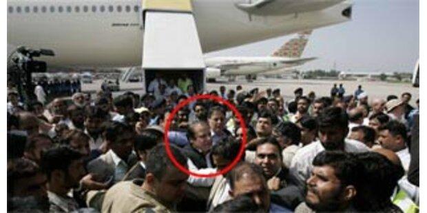 Ex-Premier Sharif ausgewiesen