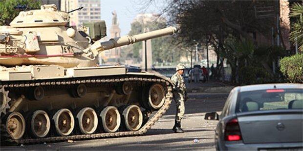 Armee rückt in Sharm el-Sheikh ein