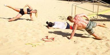 Mikaela Shiffrin am Strand mit Kilde
