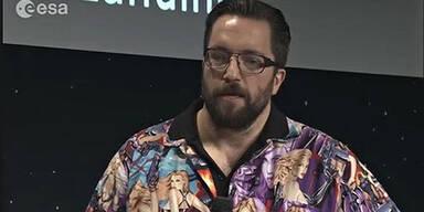 Forscher entschuldigt sich für Shirt