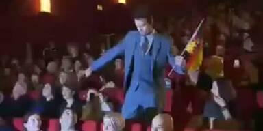 """Josh Duhamel tanzt """"Harlem Shake"""""""