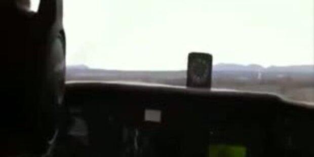 Passagier filmt Flugzeug-Notlandung